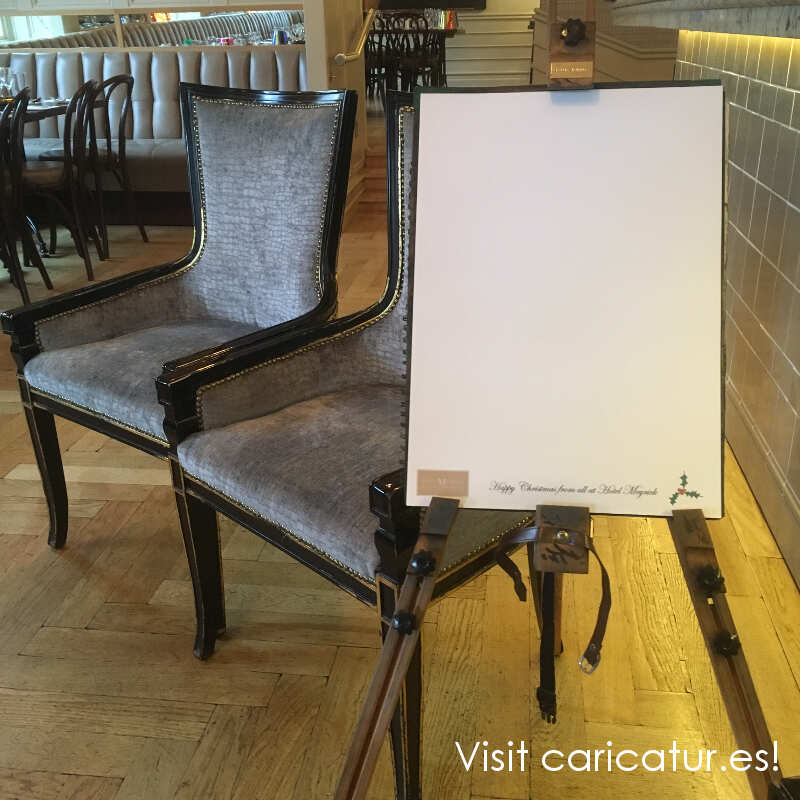 Easel and 2 chairs Hotel Meyrick